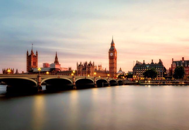 toimipisteen Lontoossa